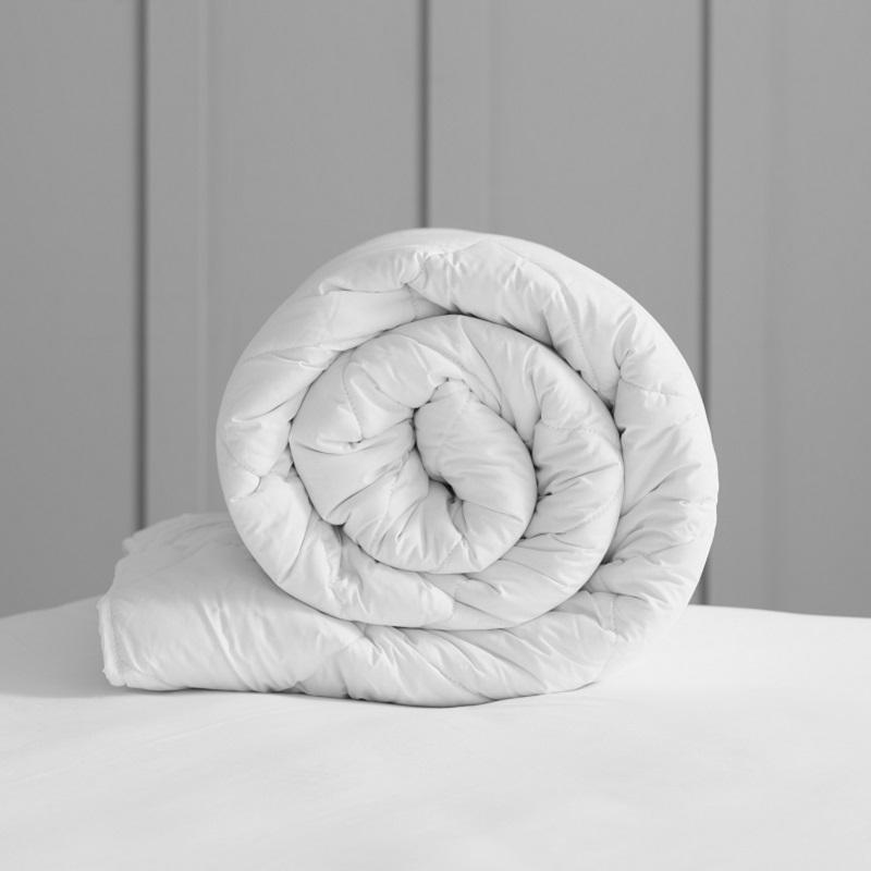 EU Size Deluxe Wool Duvet - Medium