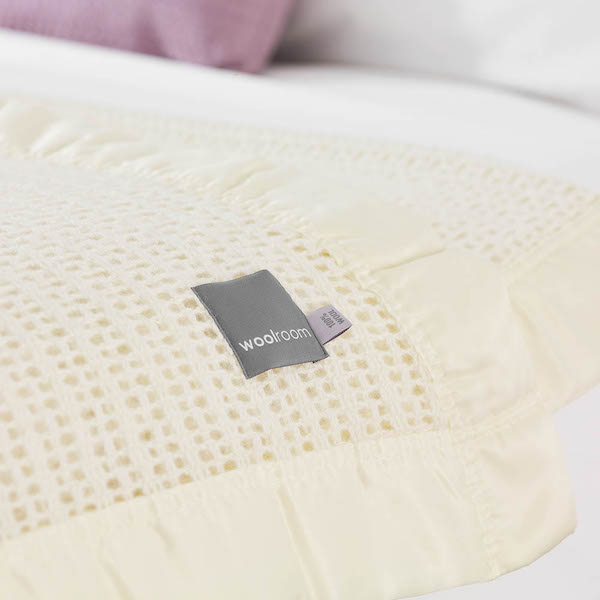 Ribblesdale Cellular Wool Bed Blanket - Pearl