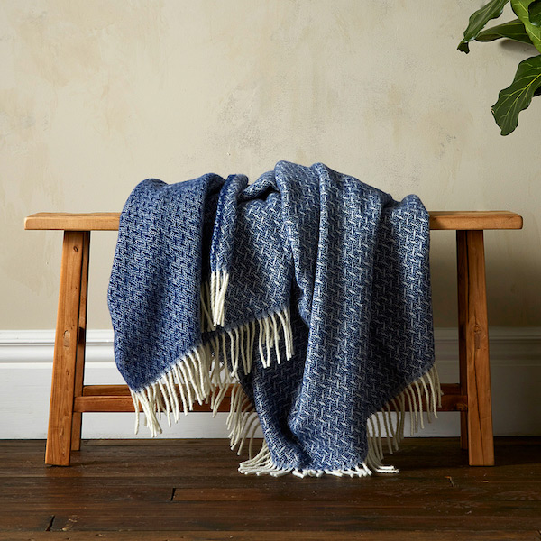 Woolroom Vilma Throw - Navy