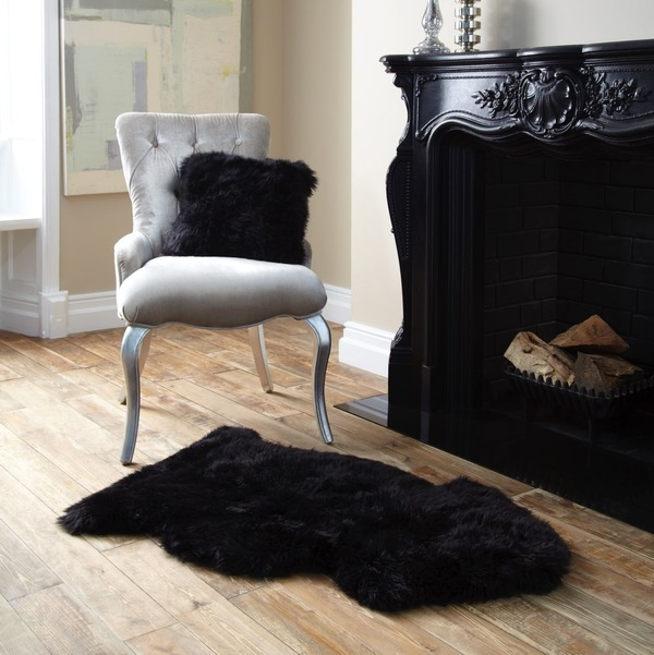 Single Sheepskin Black Rug