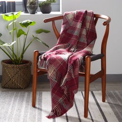 Huntingtower Wool Throw - Berry