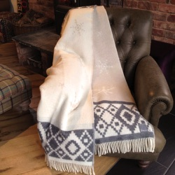 Beige Snowflake Wool Throw