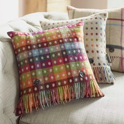 Cushion-Rainbow Spot Check Beige Reverse